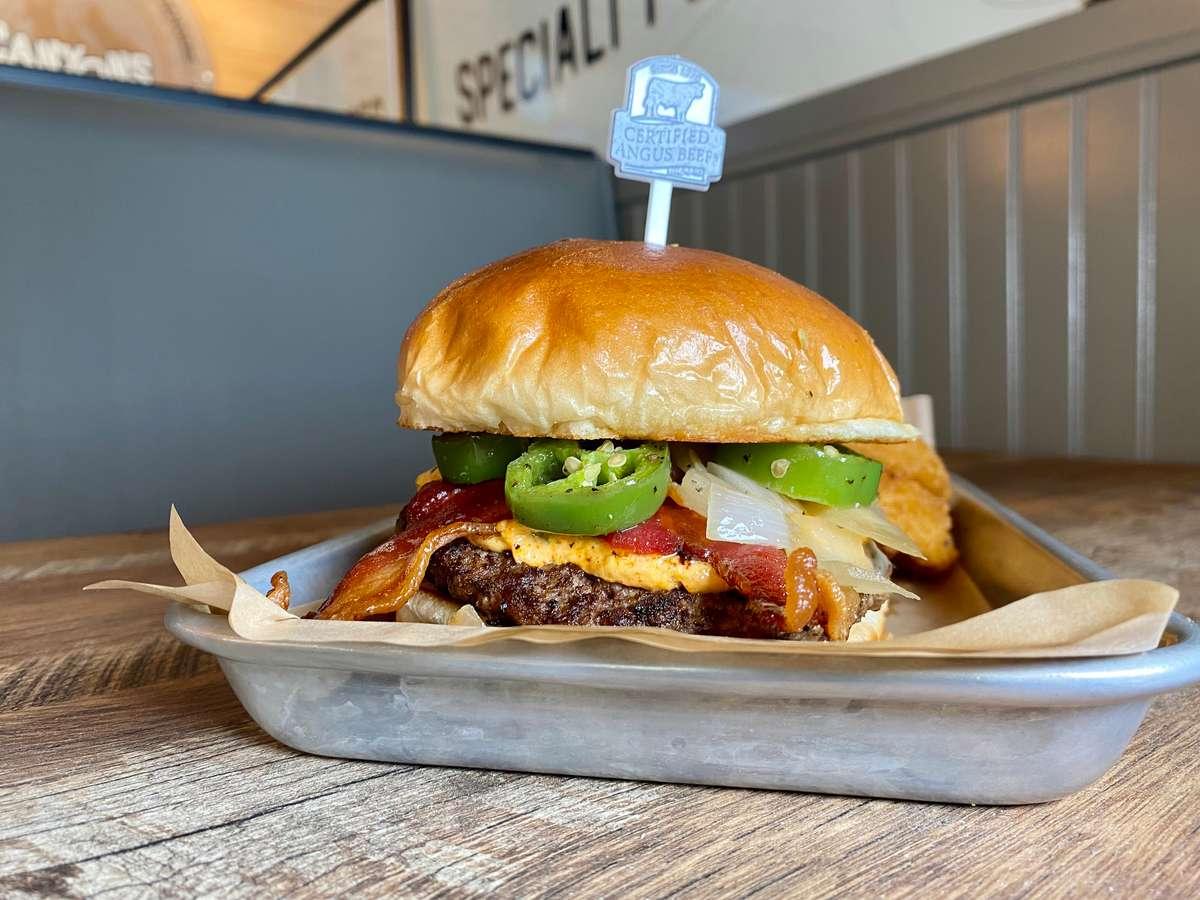 Jala'Popper Burger