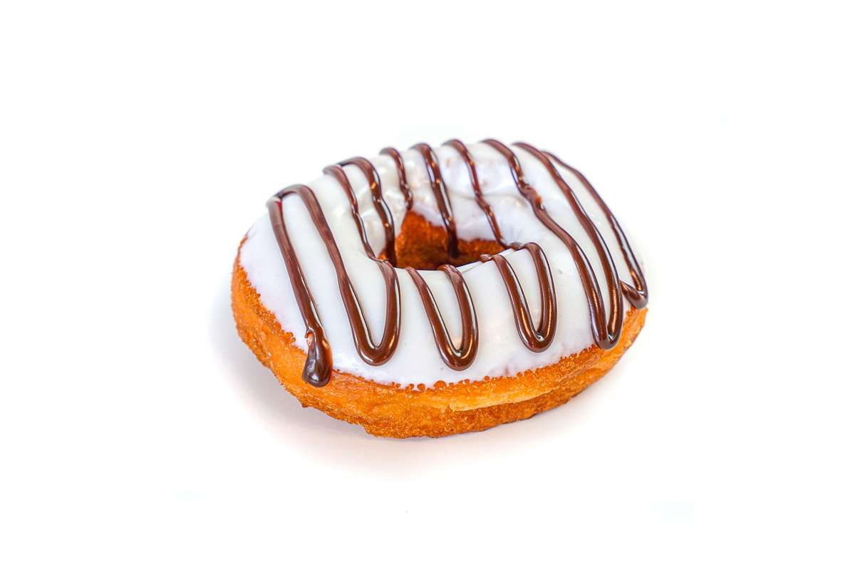 Vegan Vanilla Icing w/Chocolate Drizzle