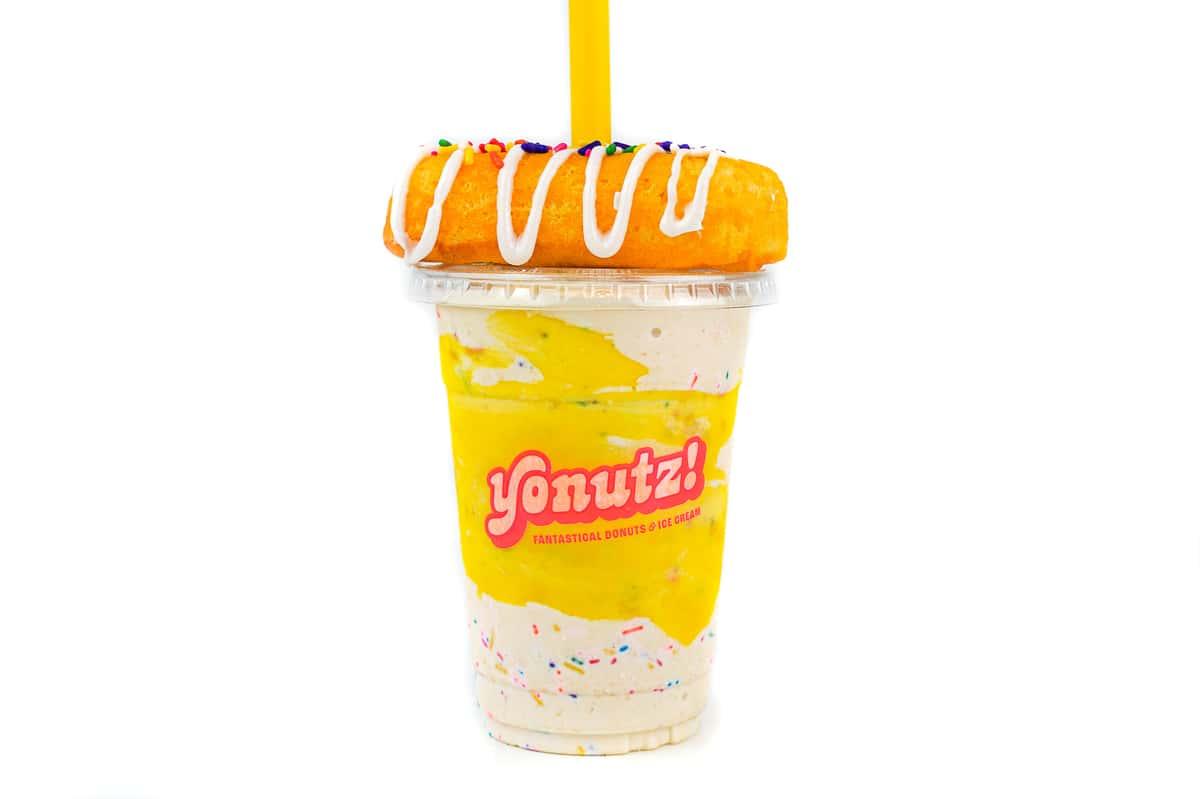 Premium Yellow Twinkie® SMASH Milkshake