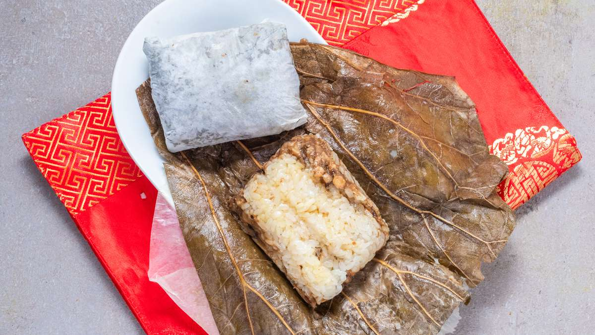 Sticky Rice In Lotus Leaf (2)