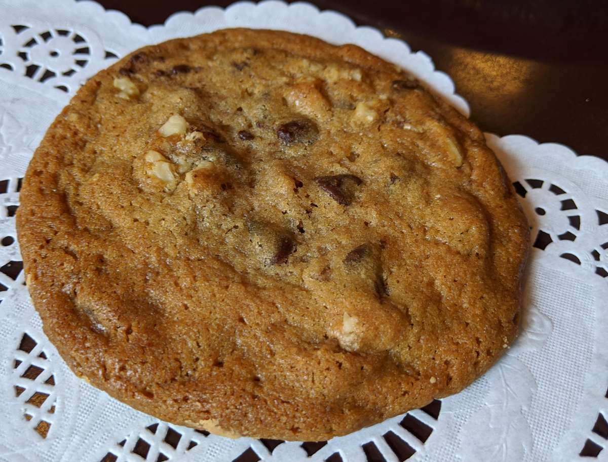 Cookie, Chocolate Chip & Walnut