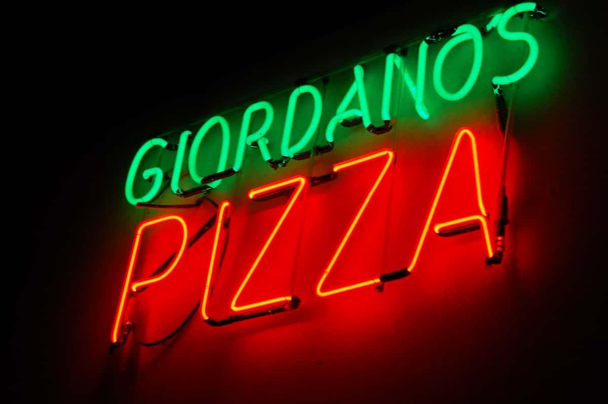neon sign giordanos pizza