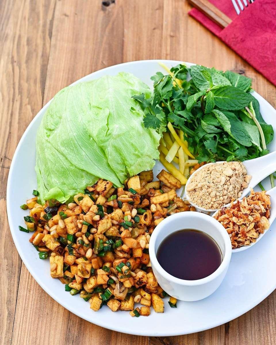 Tofu (Dậu Hủ) Lettuce Wraps