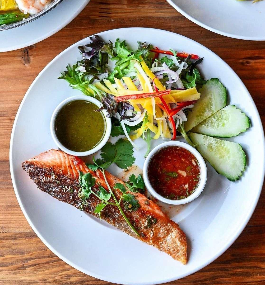 Grilled Fresh Ocean Trout - Cá Ocean Trout Nướng