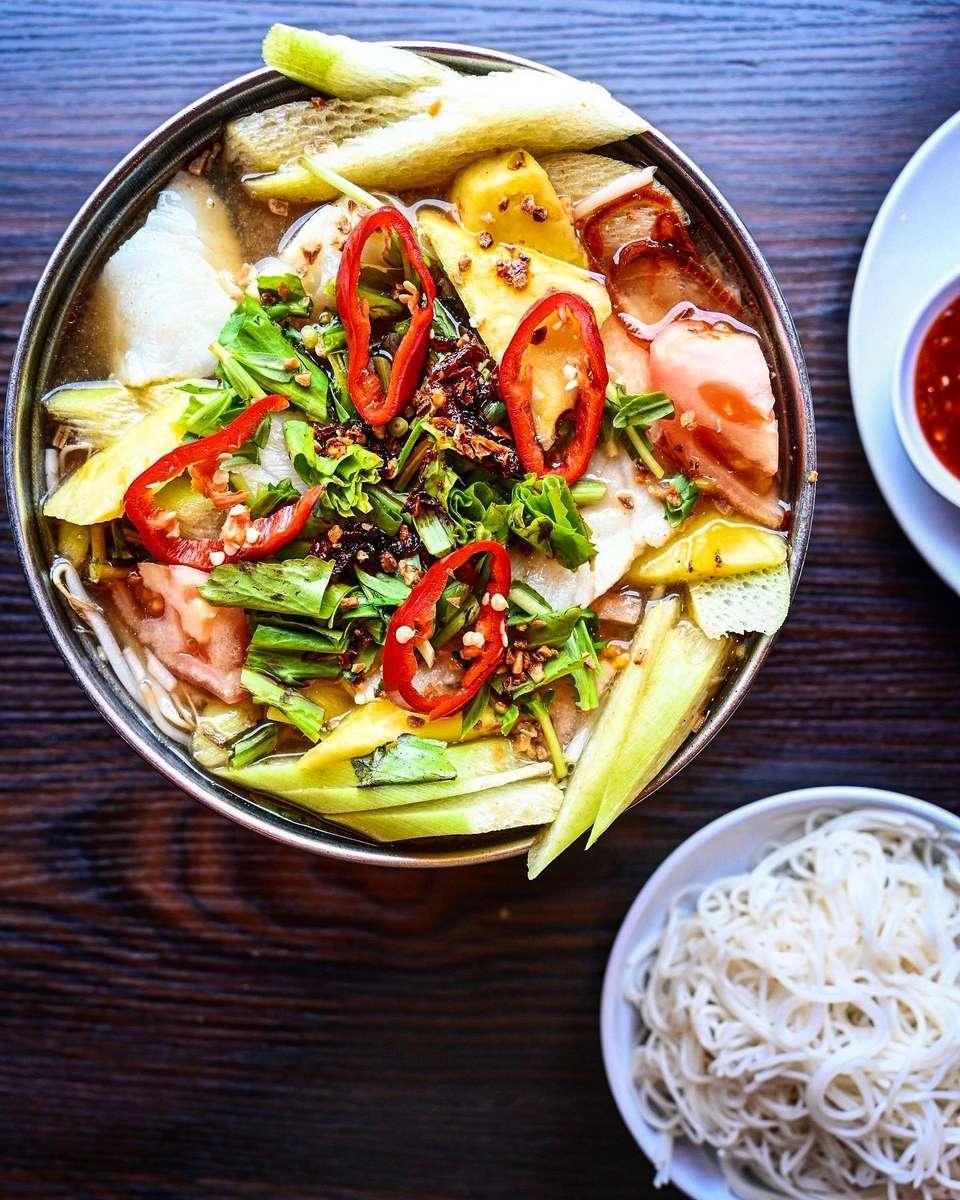 Vietnamese Hot & Sour Soup