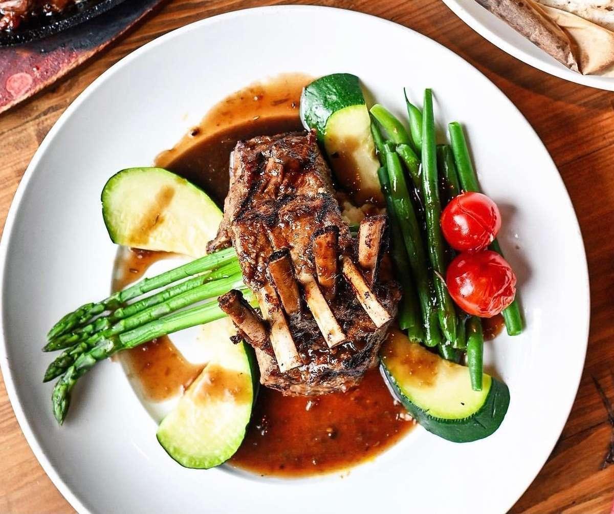 Grilled New Zealand Rack of Lamb – Sườn Trườu Tân Tây Lan
