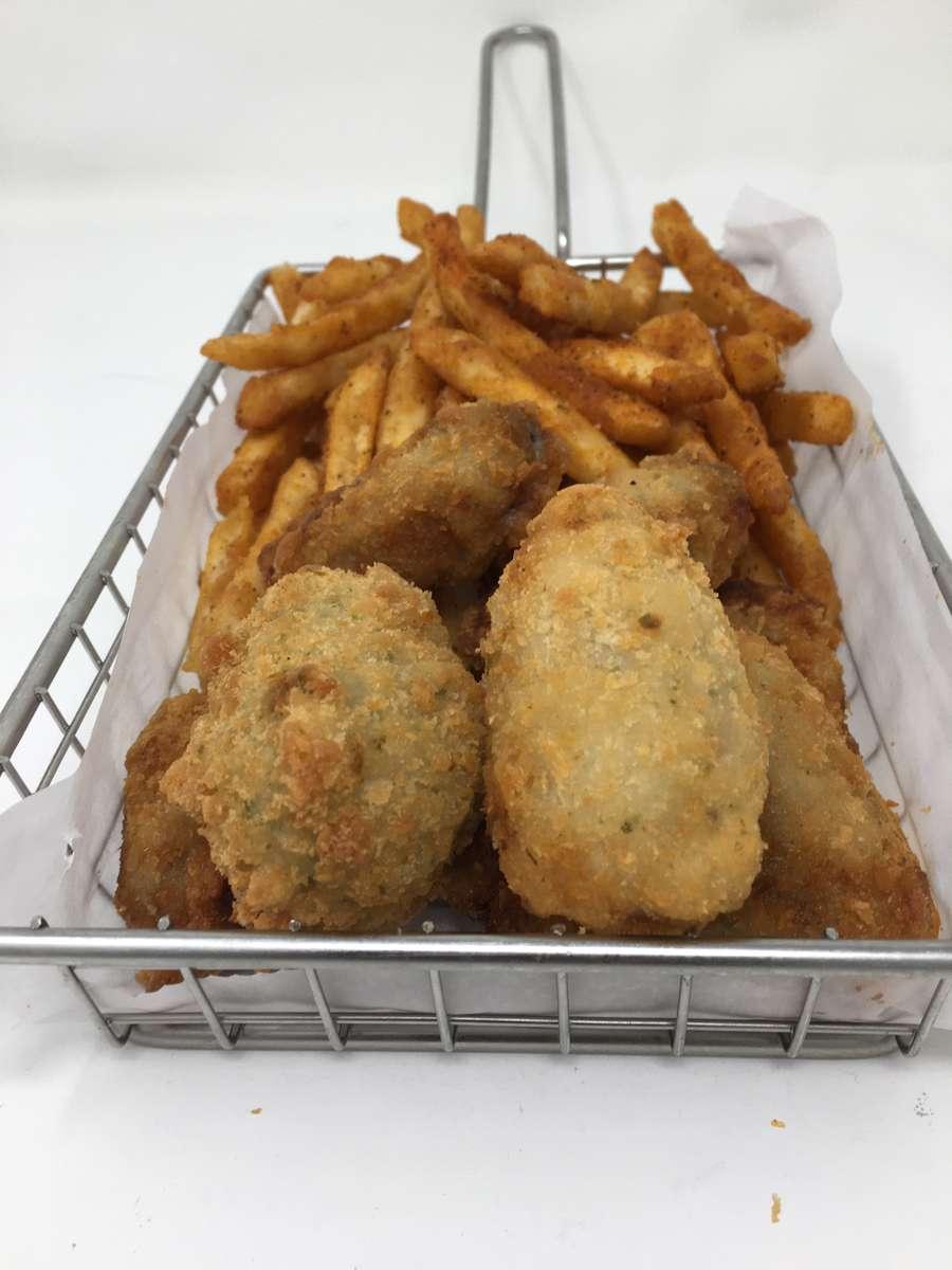 Fried Oyster Basket (8)