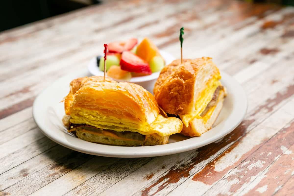 croissant sandwich with fruit