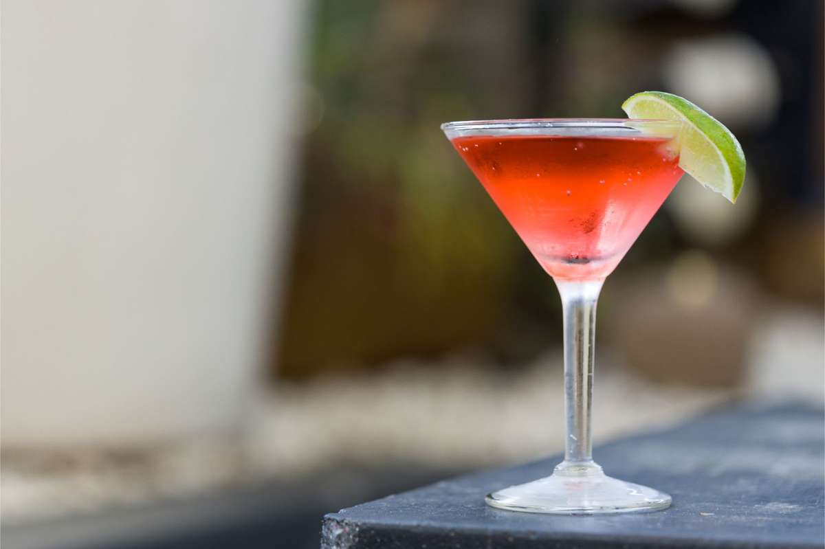 Specialty Martini : Rose Cosmo