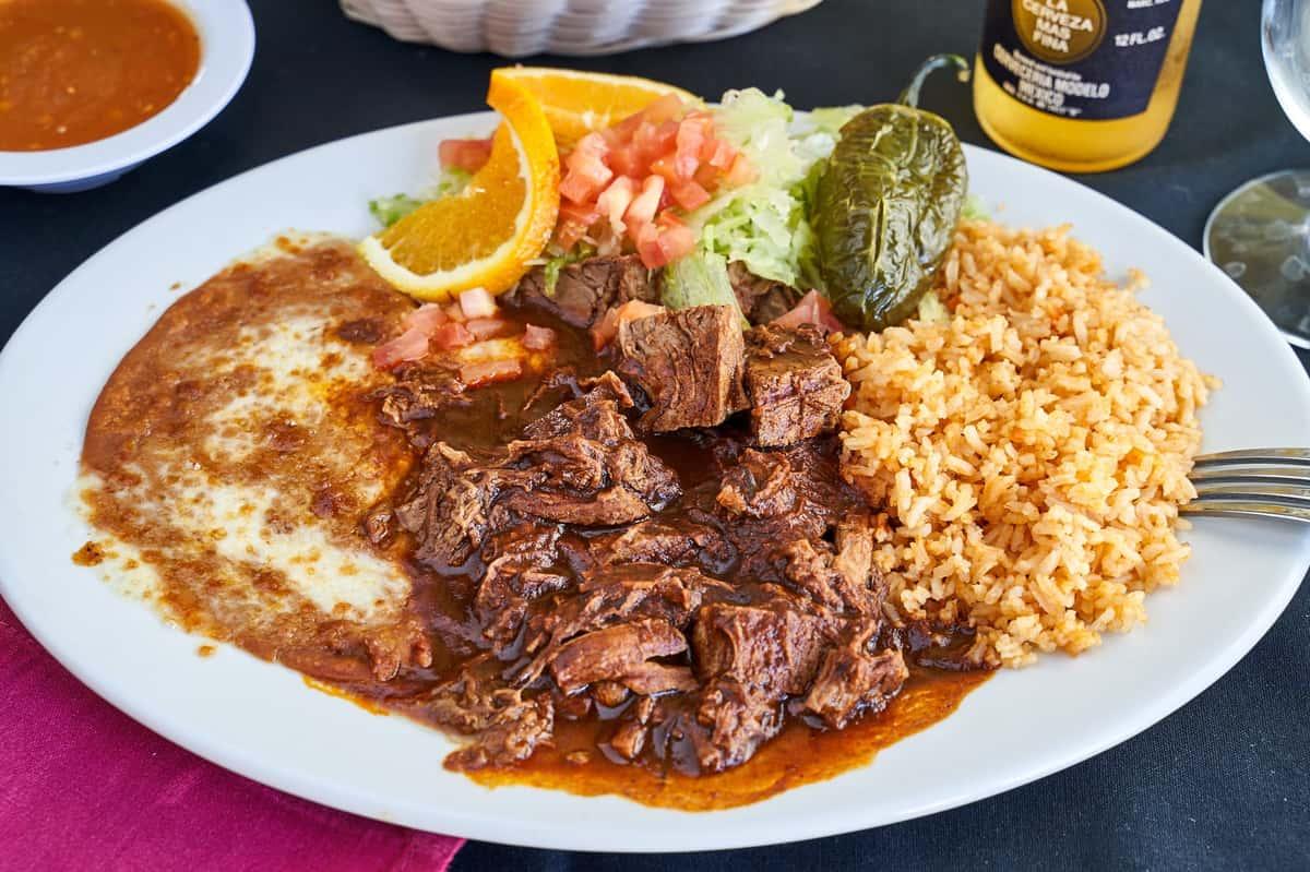 #7- Beef Con Chile Colorado Plate