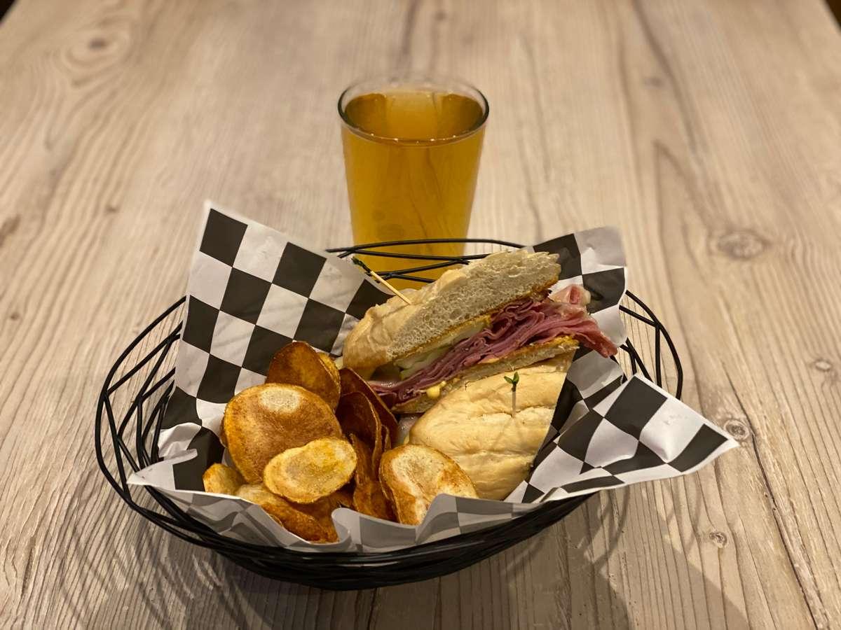 Traditional Pastrami Sandwich