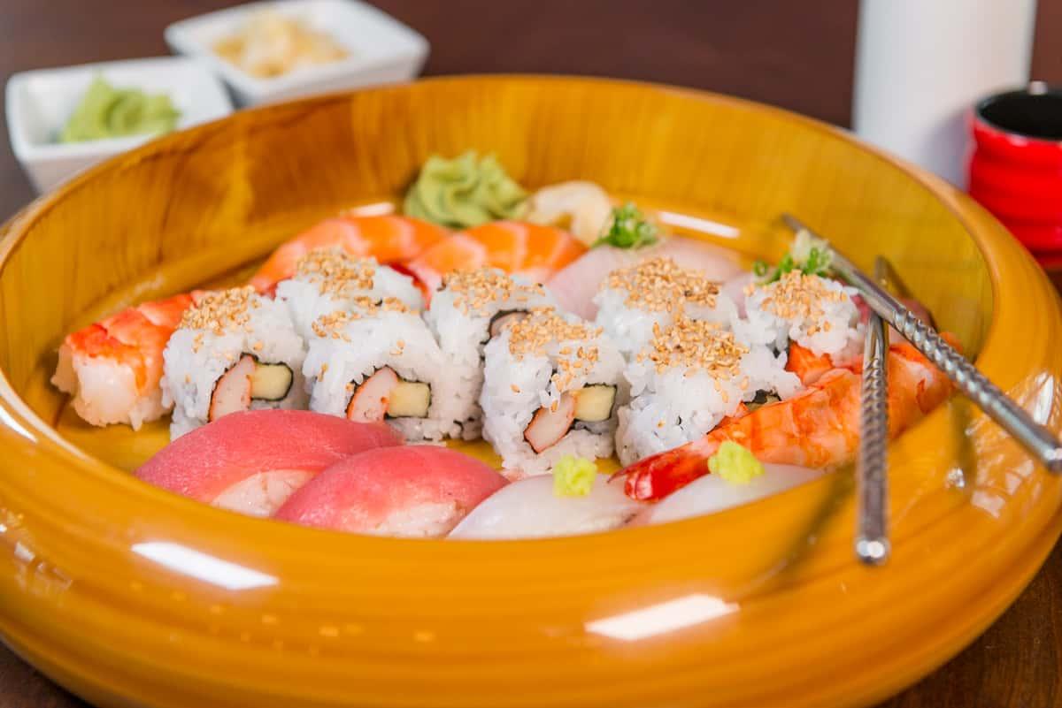 Sushi rolls in bowl