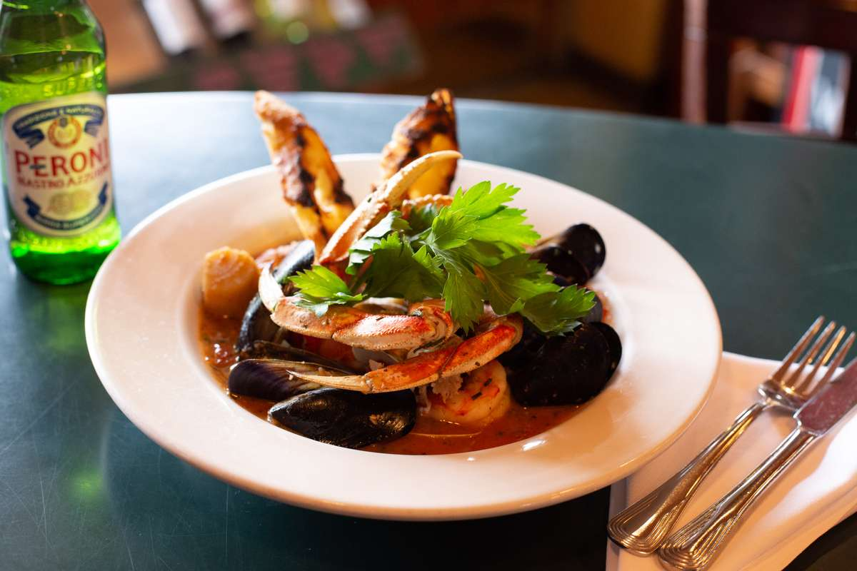 crab claw and mussels