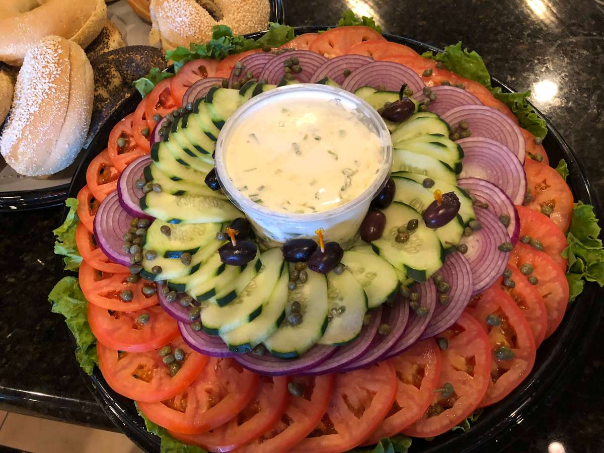 Deluxe Bagel And Cream Cheese Platter