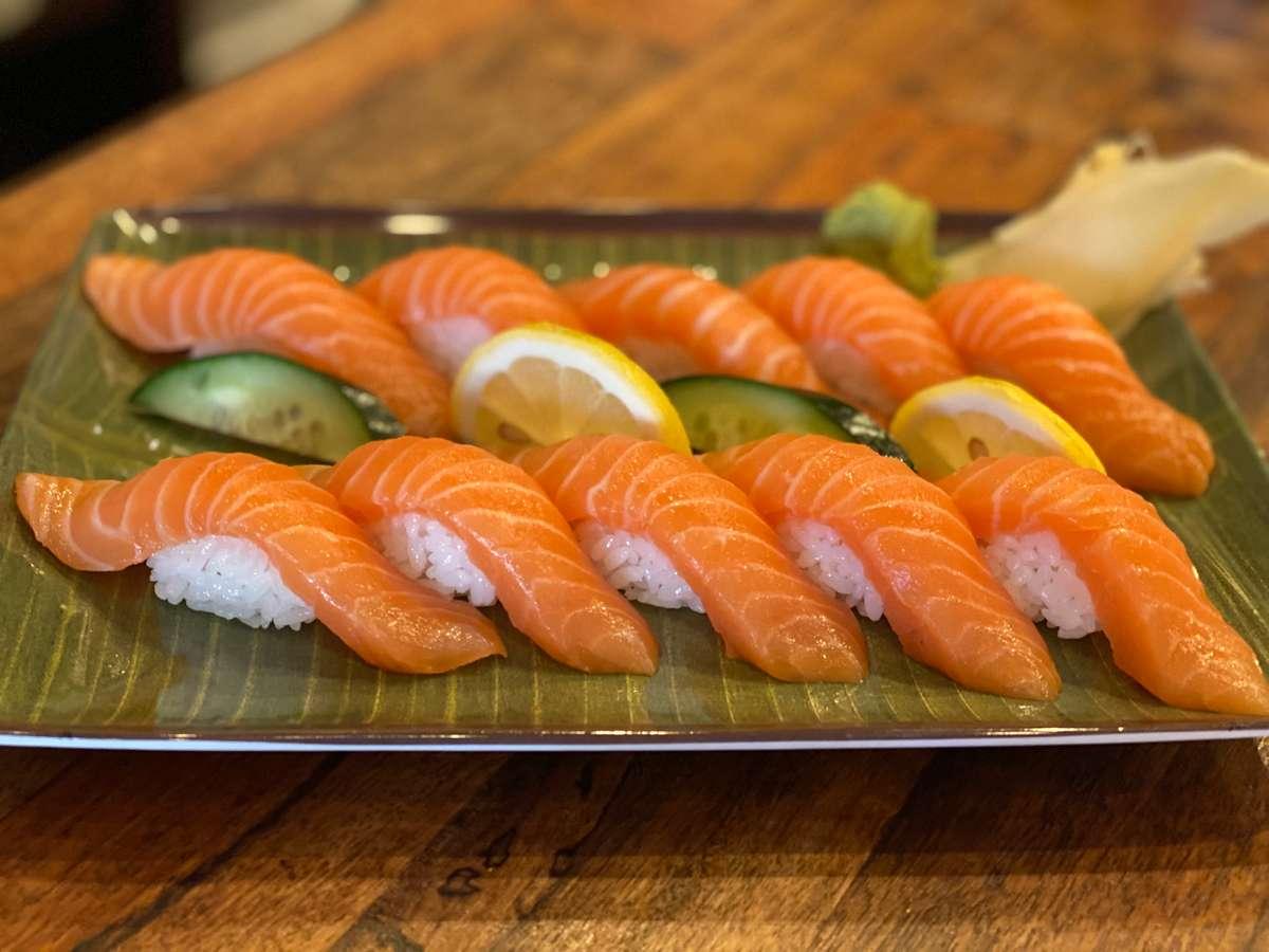 Salmon Lover Nigiri (10)