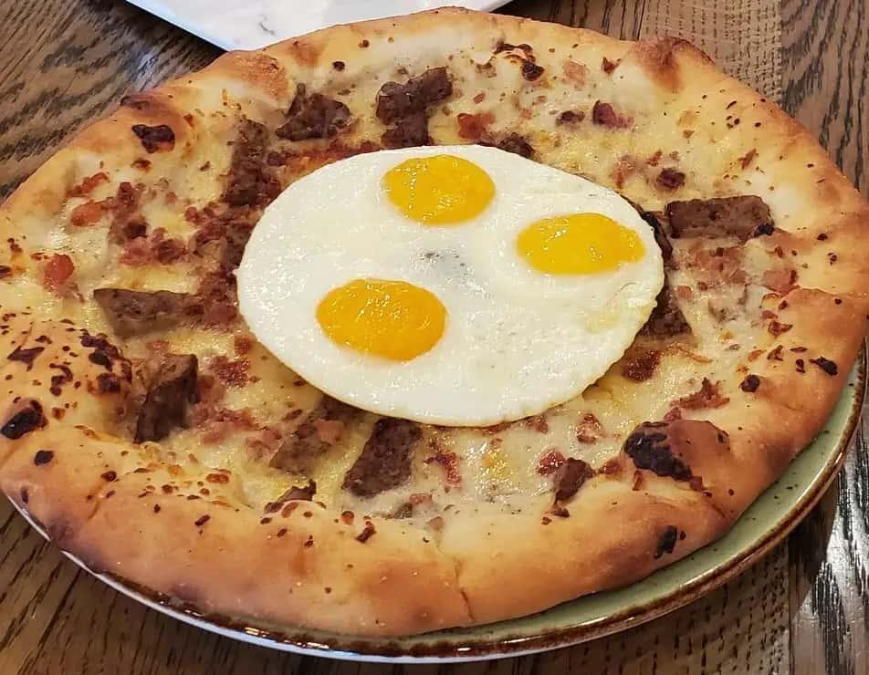 Breakfast Pizza (1210 cal.)