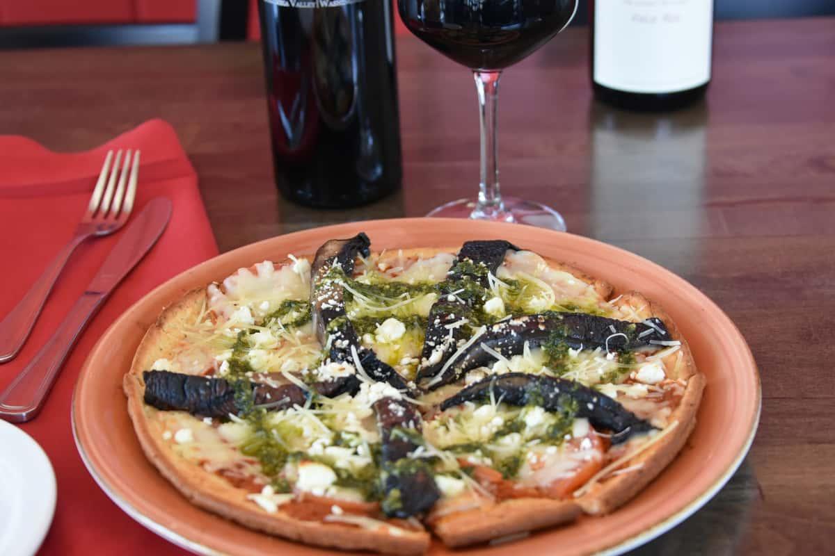 Portobello Mushroom Pizza (180 Calories)
