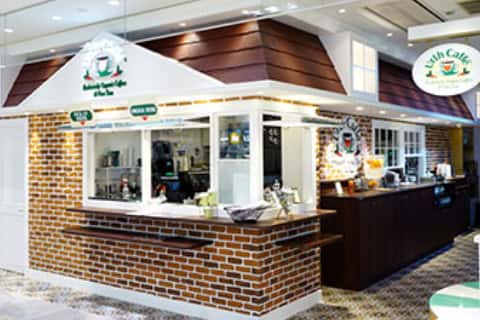 Urth Caffe at Tokyu Plaza Omotesando Harajuku