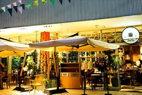 Exterior of Yokohama Bay Quarter Urth Caffe