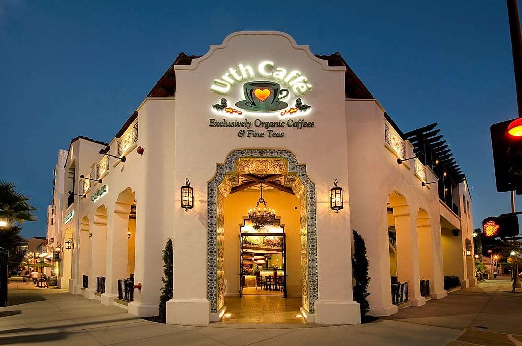Night time exterior view of Urth Caffe Pasadena