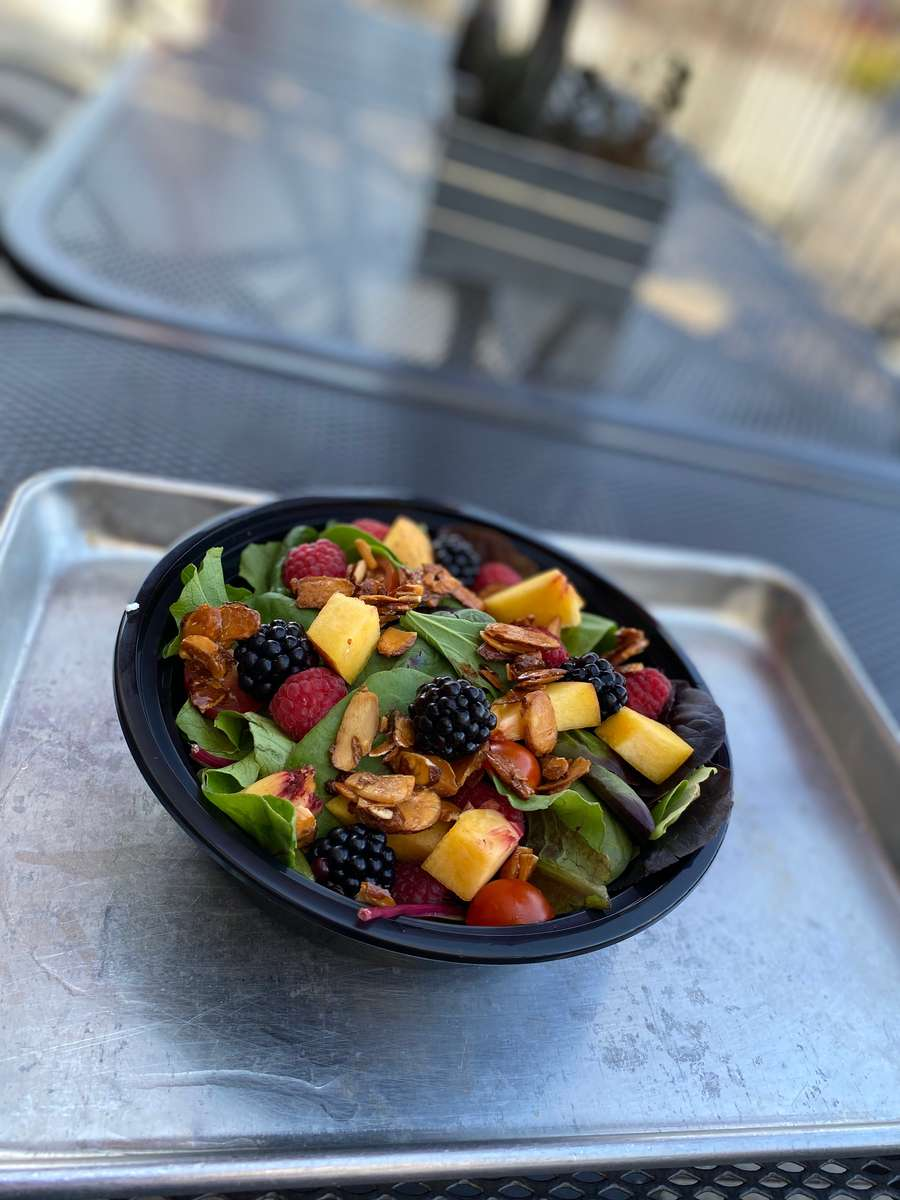 Berry Peachy Salad