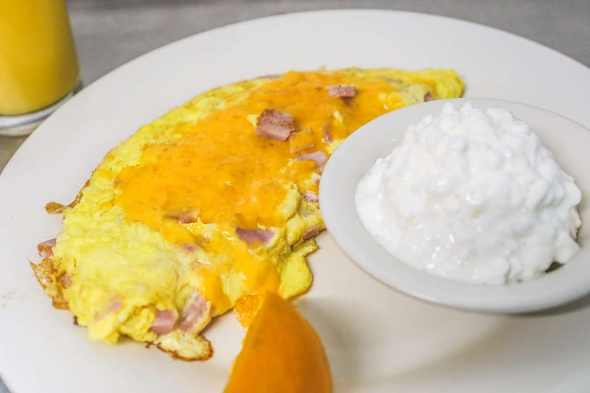 Ham & Cheddar Cheese Omelette