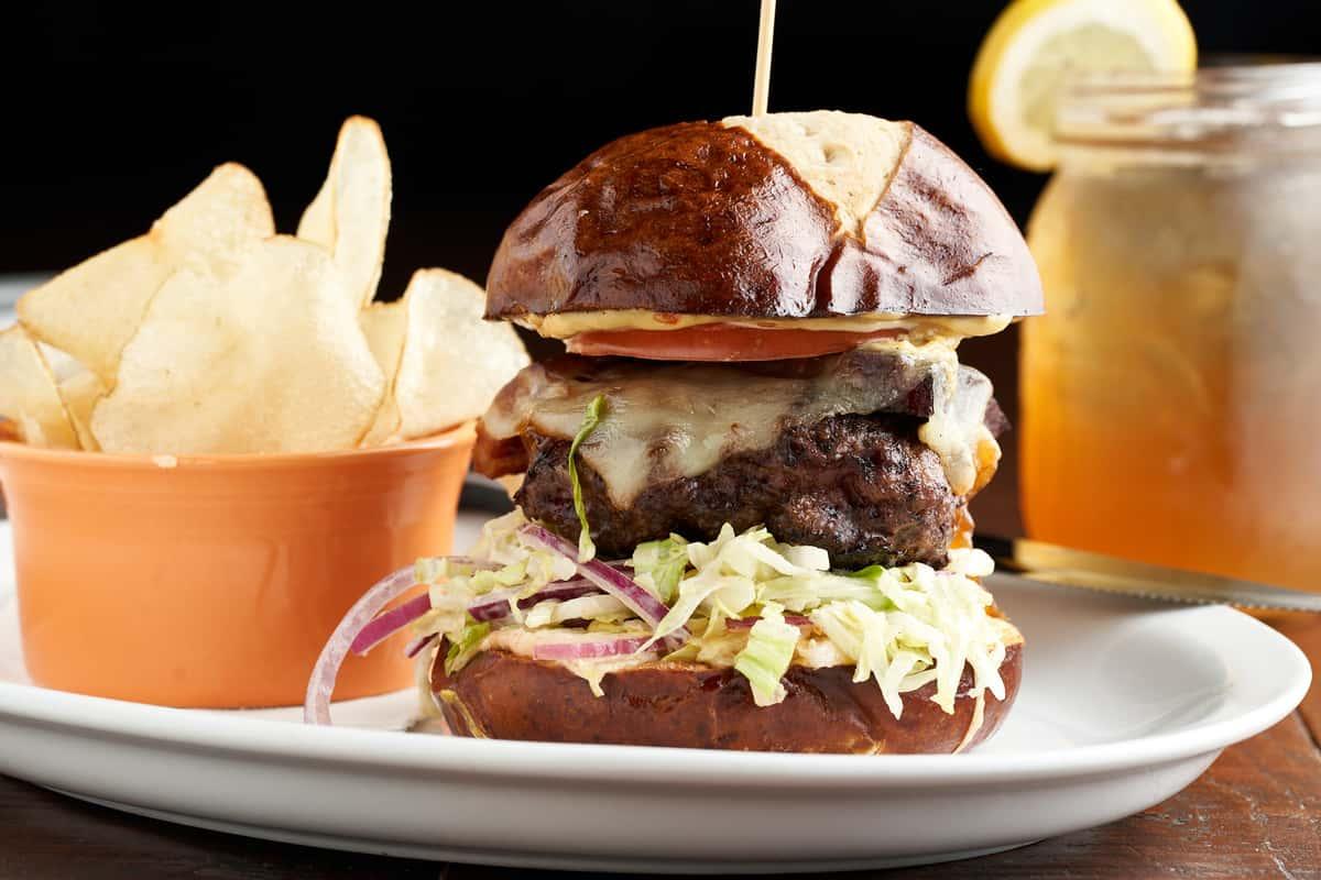 Bootlegger Burger*