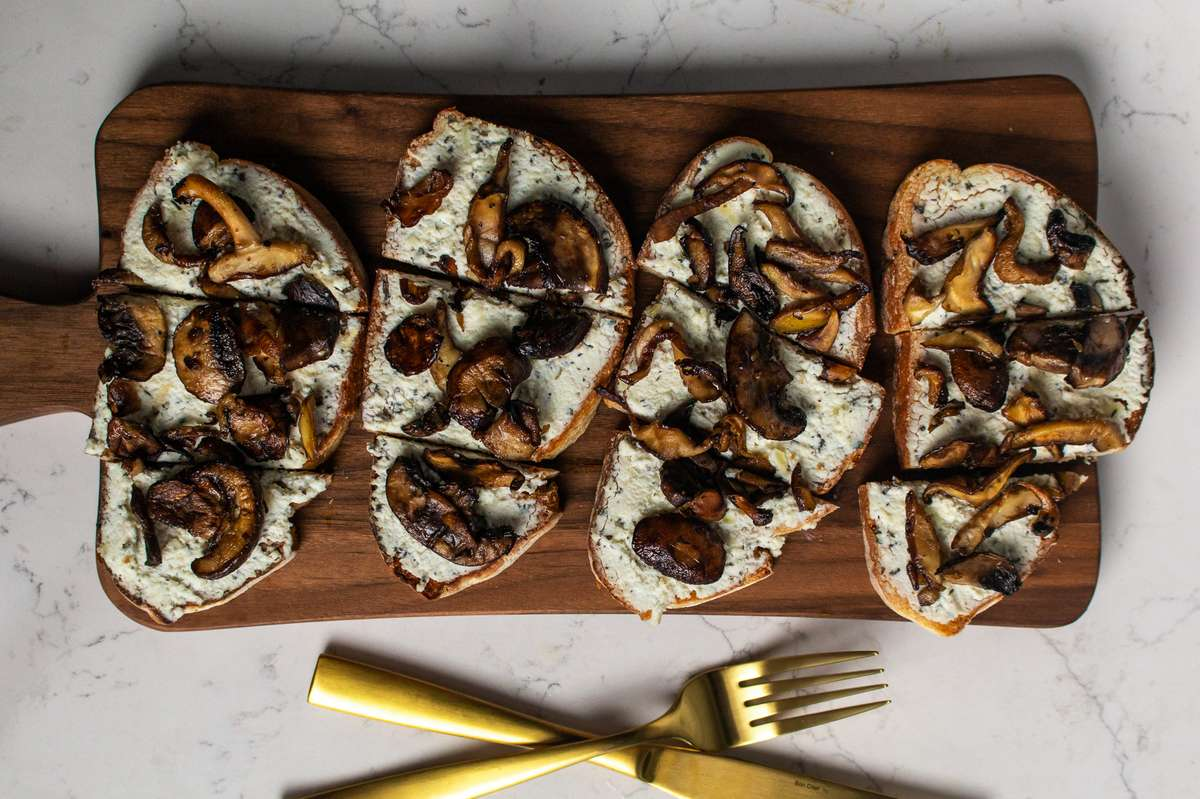 Garlic Mushrooms, Herbed (Sage/Thyme) Ricotta