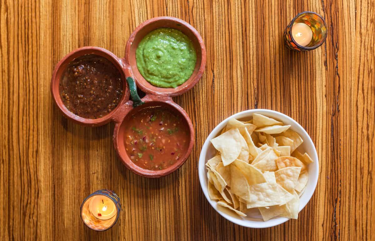 Tres Salsas & Chips