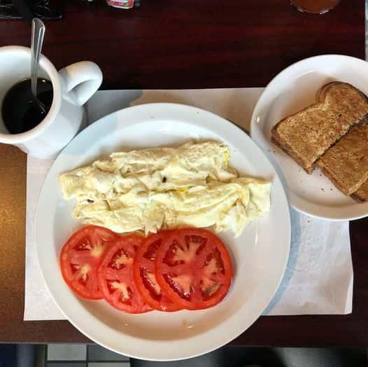 Egg Whites, Tomato & Whole Wheat Toast