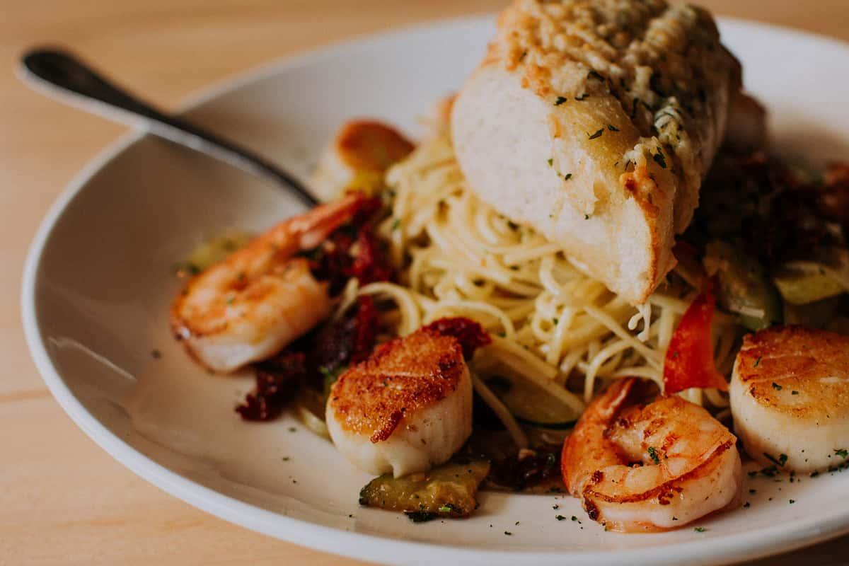 Shrimp and Scallop Linguini