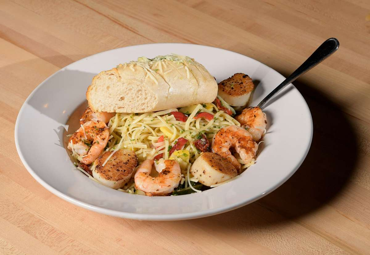 Shrimp & Scallops Linguini