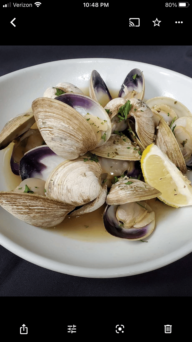 Fresh Steamed Middle Neck Clams