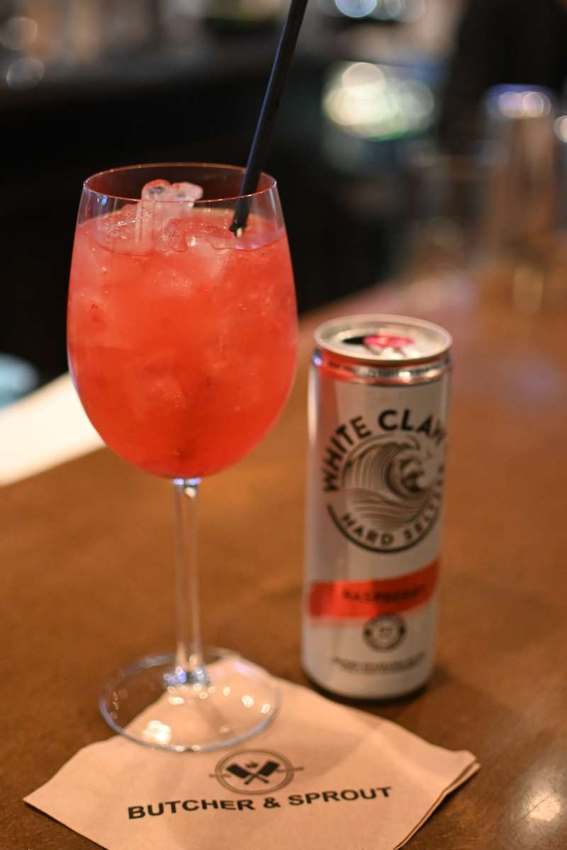 White Claw Raspberry Spritz