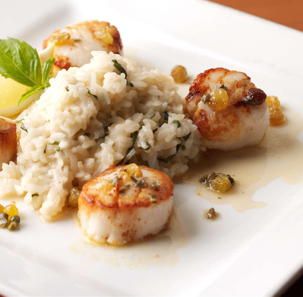 SEARED SEA SCALLOPS*