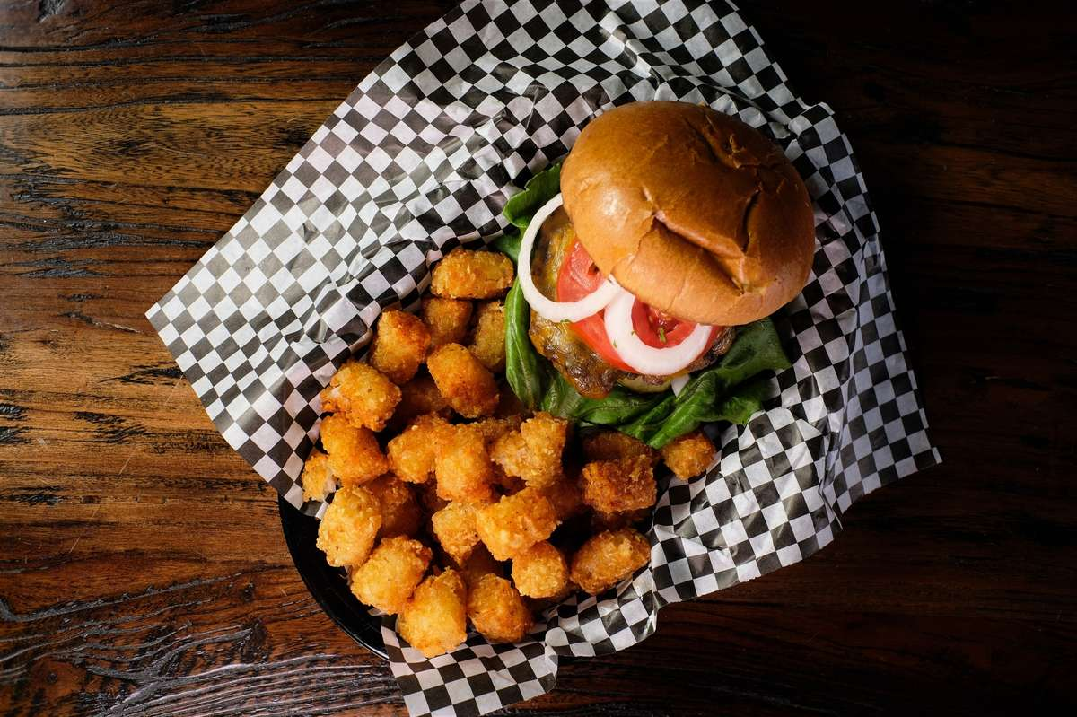 Connect Four Connecticut Cheeseburger