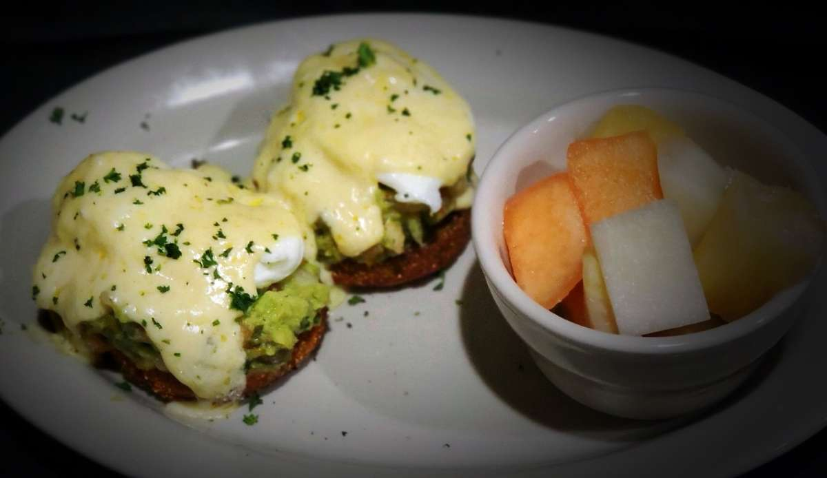 Southern Fried Green Tomato Eggs Benny