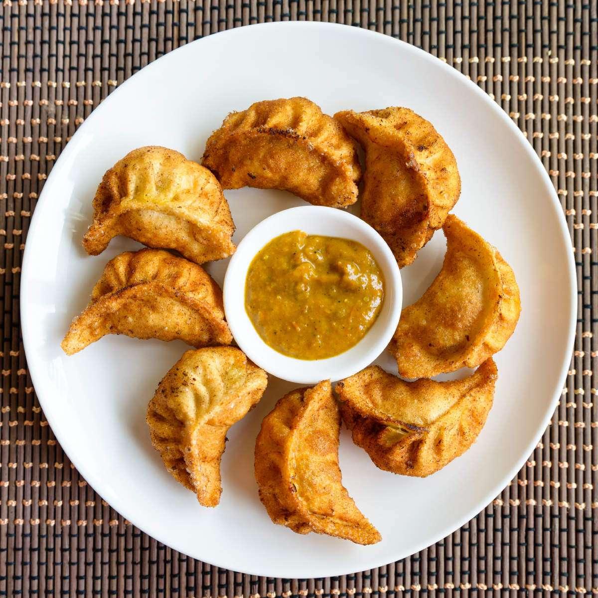 Fried Veg Momo (8pcs)