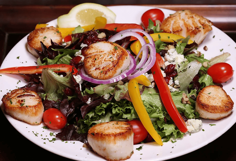 blackened scallop salad