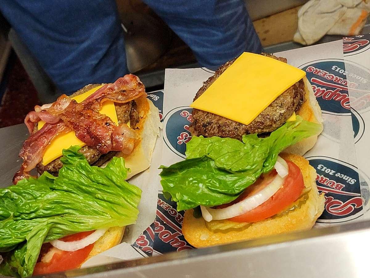 #2- Papa's Cheeseburger