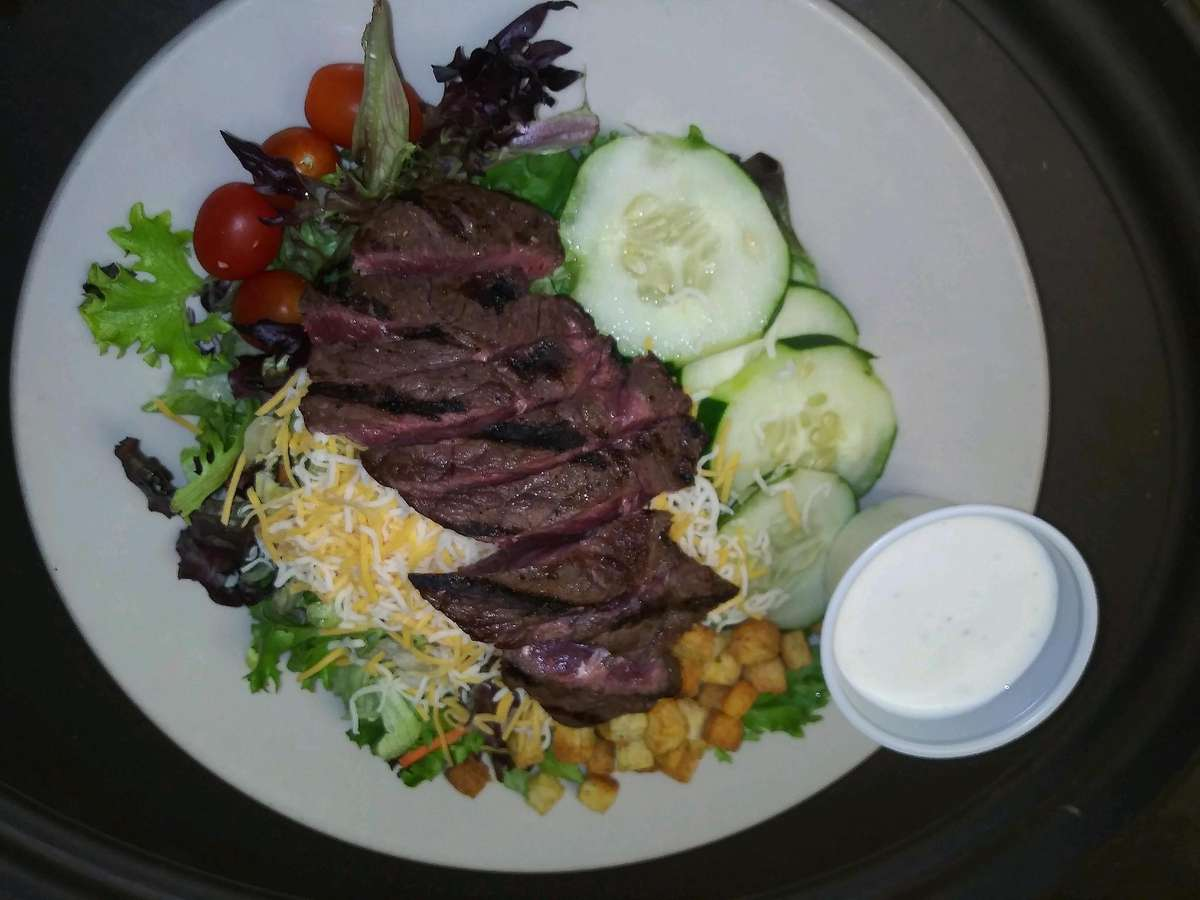 Grilled Sirloin Steak Salad*