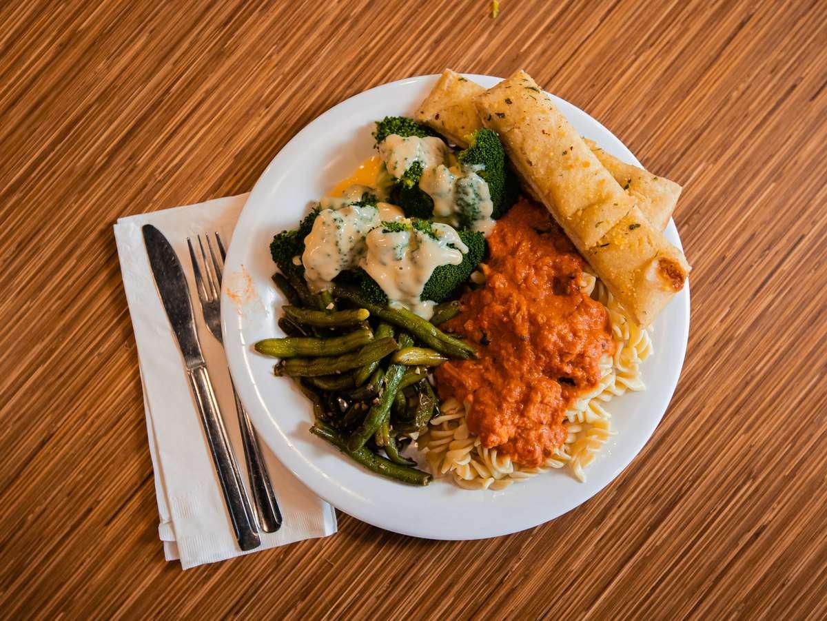 3 Item Plate with Ravioli