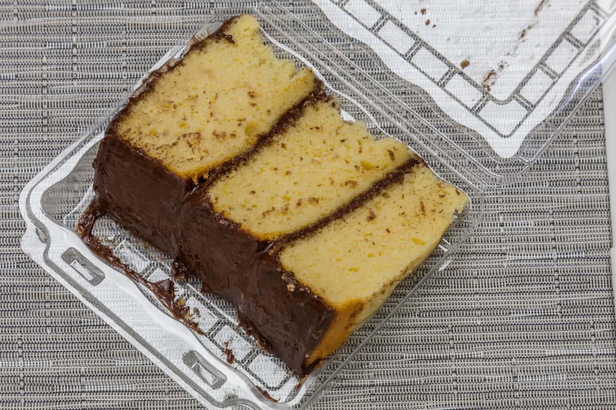 Chocolate-Vanilla Cake Slice