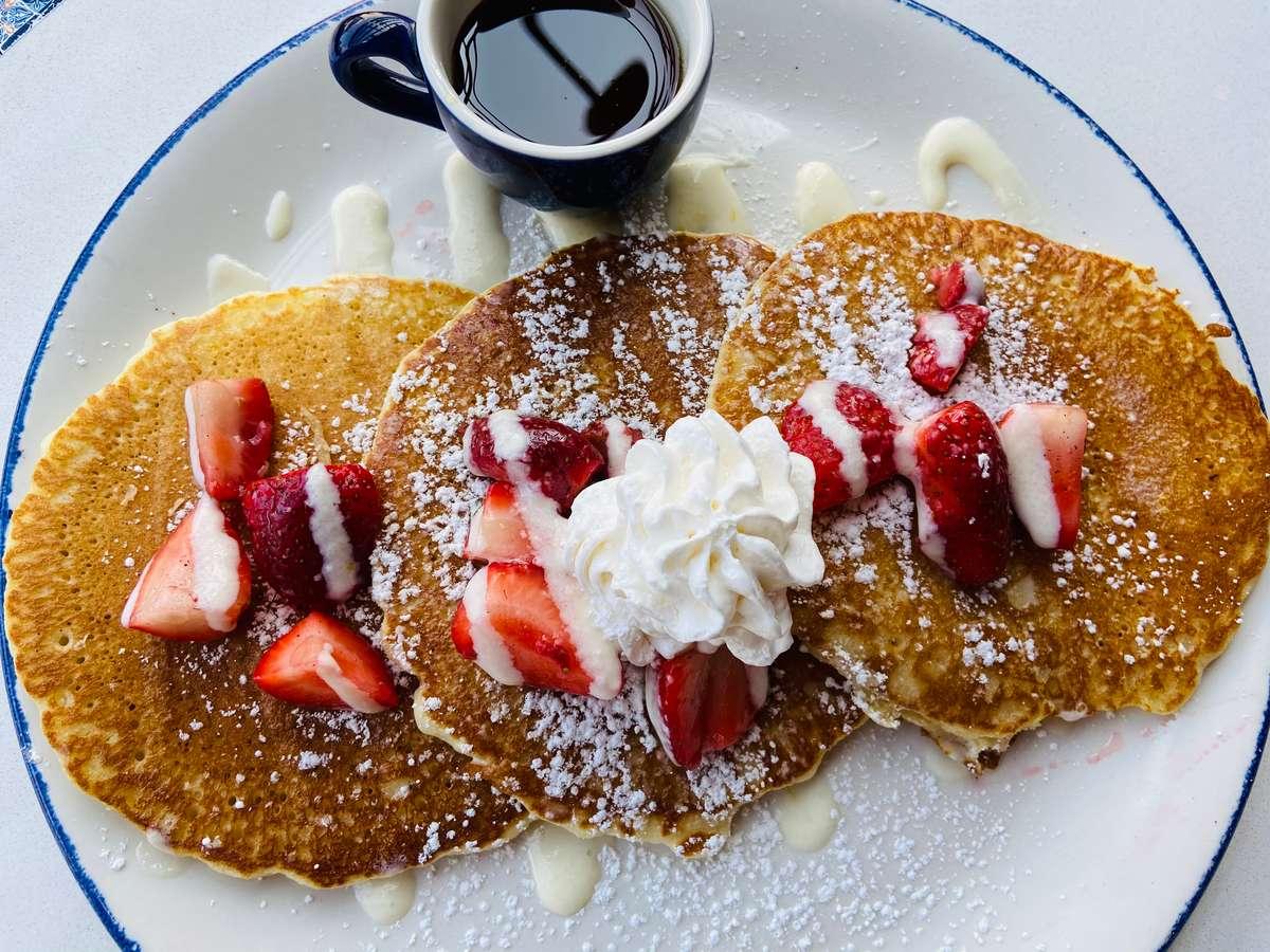 Fresas Con Crema Pancakes