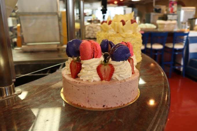 srawberry cake