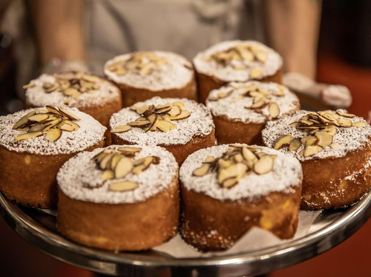 Fightin' Cake (Almond)