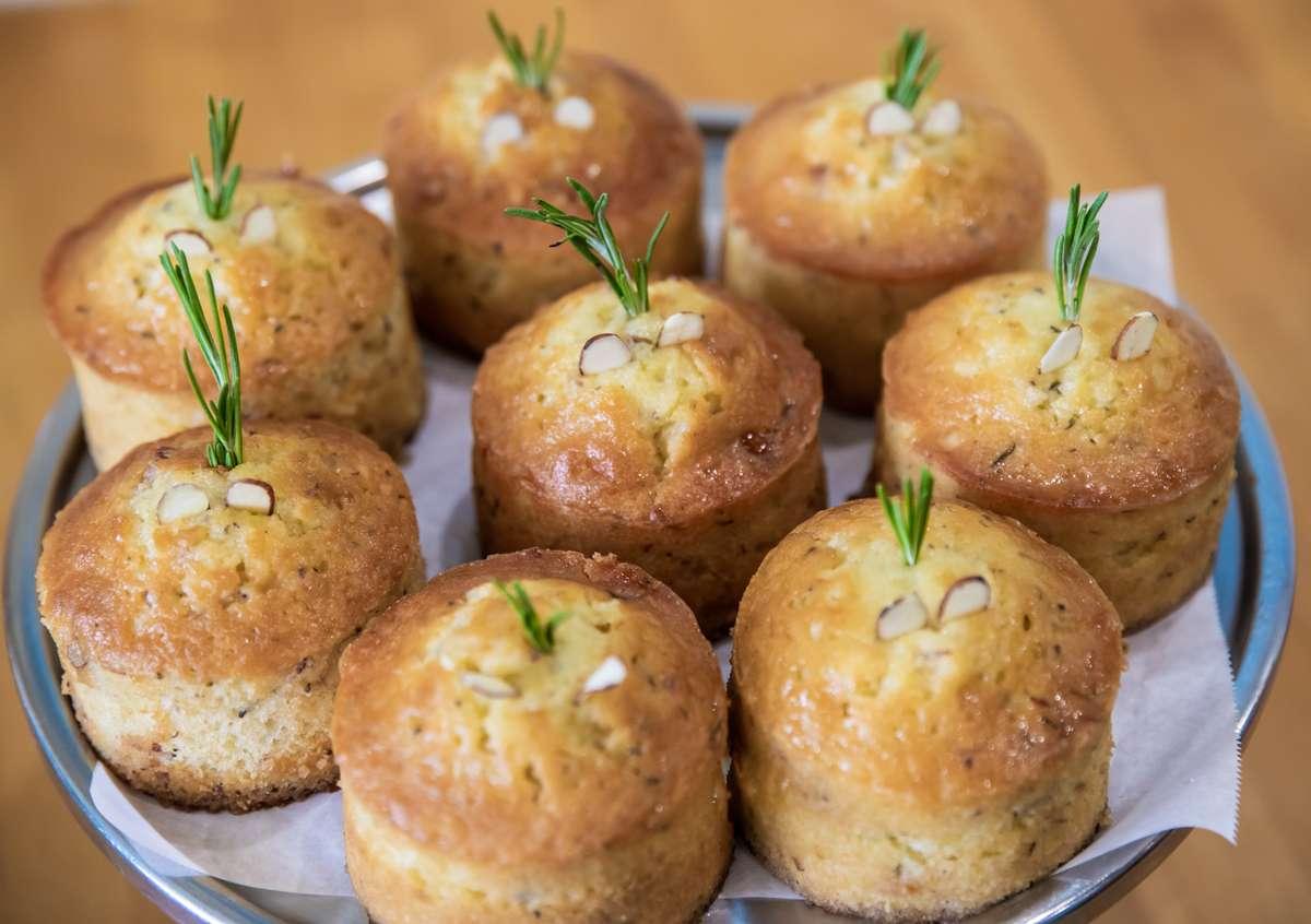 Lemon Olive Cake
