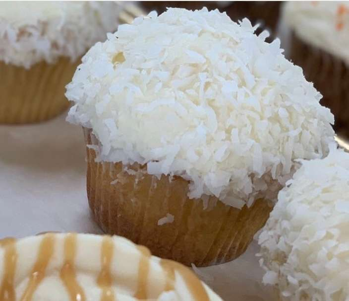 Coconut Cupcake with Cream Cheese Frosting