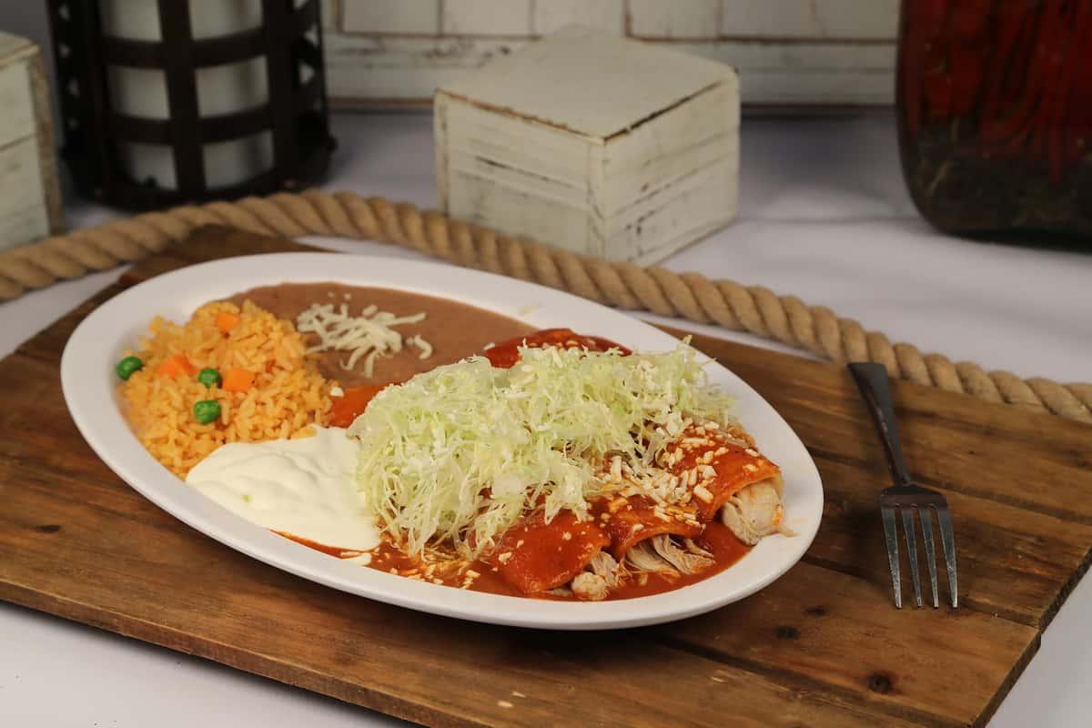 42. 3 Piece Enchilada Plate