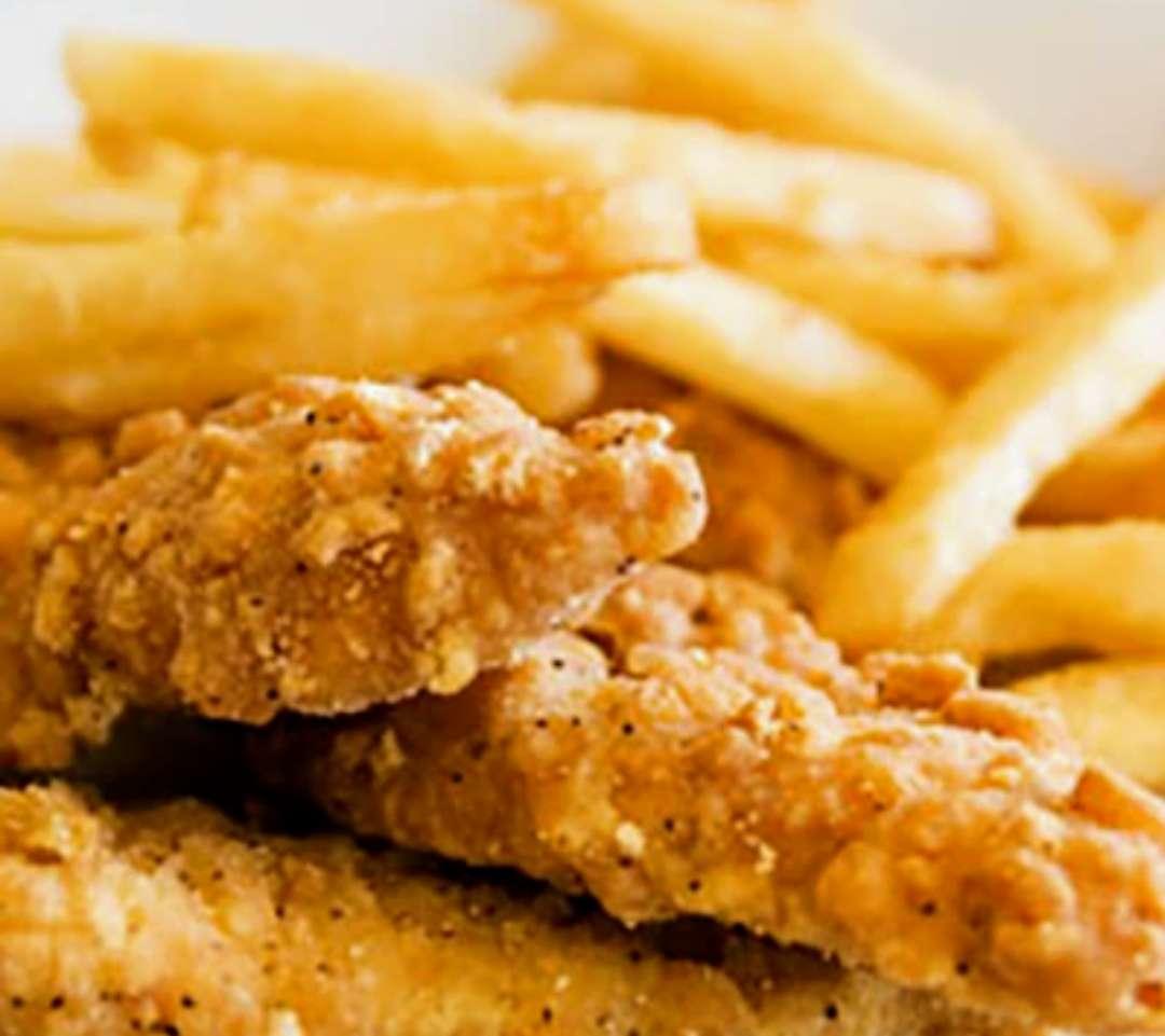 Kids: Chicken Fingers w/ Fries